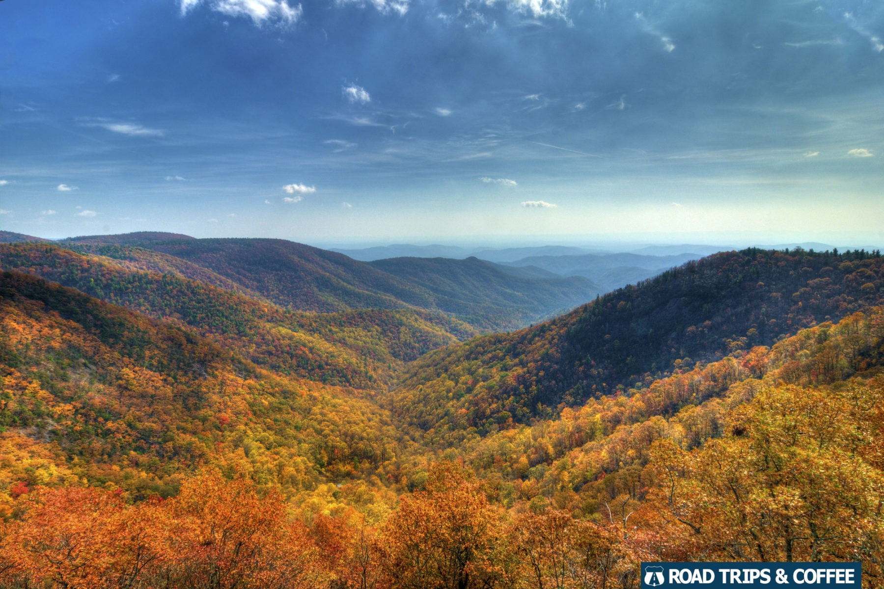 Brilliant autumn colors across the landscape at the Wildcat Rock Overlook on the Blue Ridge Parkway in North Carolina