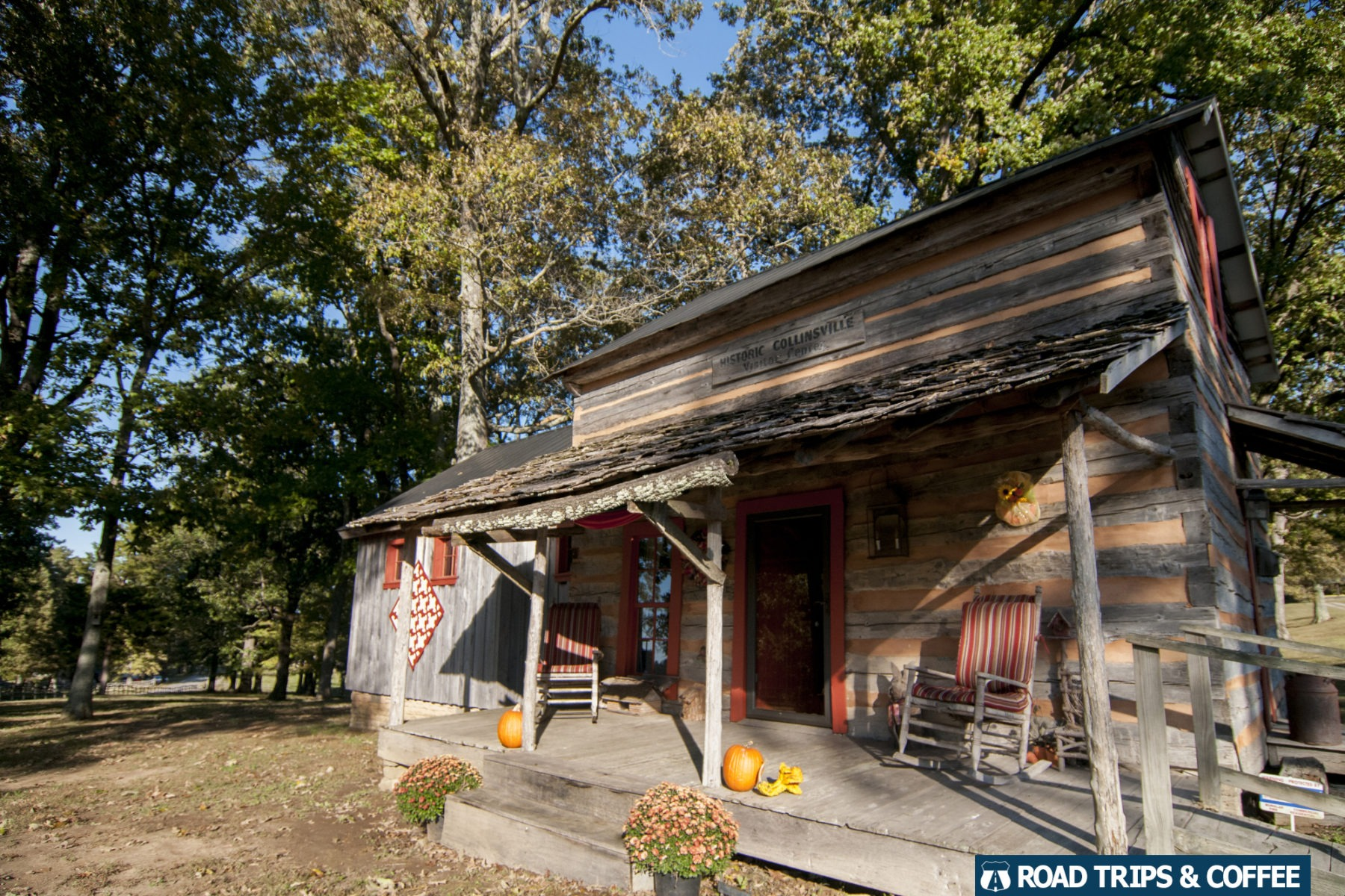 Rustic log home at Historic Collinsville in Clarksville, Tennessee